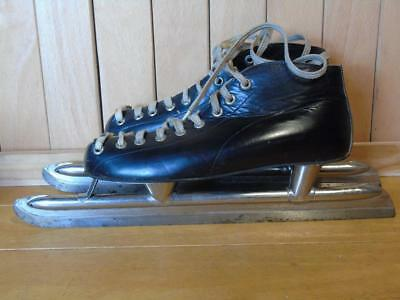 Vintage ice skates FREE UK P&P