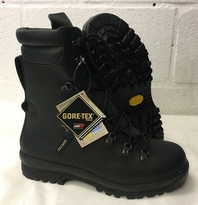 ECW BLACK LEATHER EXTREME COLD WET WEATHER GORE-TEX BOOTS  12 Small British Army