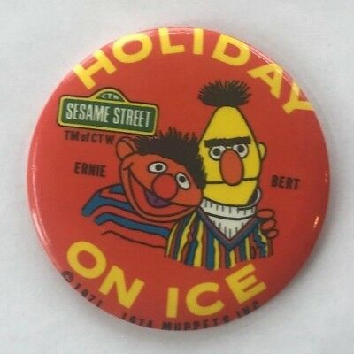 Vintage Sesame Street Holiday on Ice Pin Button 1974 Bert & Ernie Muppets