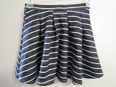 2fbc9449d197 NWT ABERCROMBIE KIDS Girls Black   White Striped Lined Pleated Skirt Size  ...