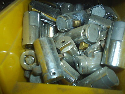 250 LN Chicago ace II lock & key USA  for SNACK / SODA  Machines Less $5 each