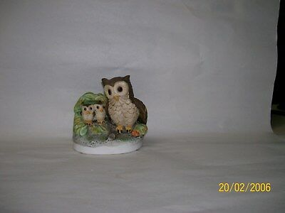 Vintage 70's Bisque chinaOwl w/2 Baby Owlets Figurine Made in Tiawan