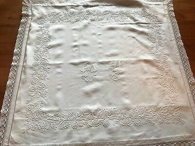 Taie d'oreiller ancienne brodée main/Former Pillowcases hand embroidered/304F10