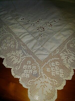 """Antique Edwardian White Irish Linen Tablecloth Hand Crocheted Edging 36"""" Square"""