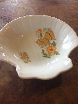Vintage Ceramic Soap Dish Shell Floral White Bath Decor Butterfly 70s 80s Green