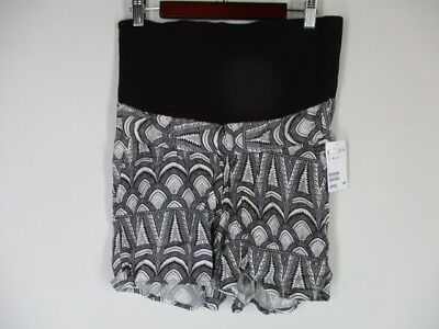 New H&M Mama Maternity Black/White Geometric Print Pocket Shorts   4