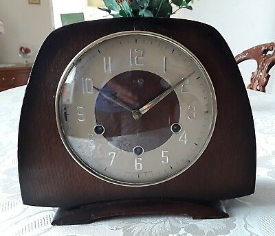 Smiths vintage chiming wooden wind-up mantle clock. Made in Great Britain