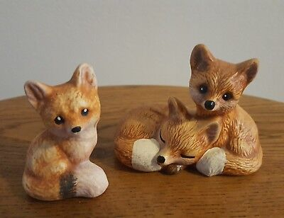 2-piece group Red Fox figurines