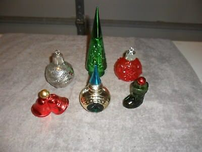 6 Vintage Avon bottles of Christmas collectables