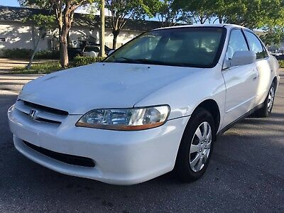 2000 Honda Accord  2000 Honda Accord LX 4dr Sedan 2.3L I4 4 Cylinder Gas Saver *FLORIDA OWNED* L@@K