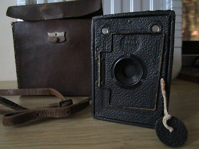 Vintage ENSIGN 2 1/4 B Black Box Camera with Leather Case Made in ENGLAND
