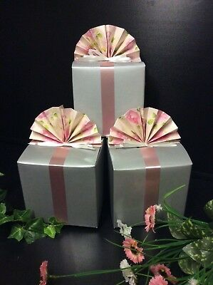 200 GIFT BOXES JOB LOT. COMPLETE WITH BOW, TAG & RIBBONS. GIFTS CRAFTS.10x10cm