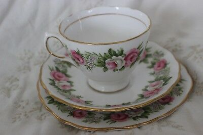 Vintage Colclough  English Chine Trio Tea Cup soucoupe plate Pink Roses 7132