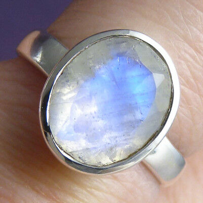 Contemporary SilverSari Ring US 6 (M) Solid 925 Sterling Silver & MOONSTONE