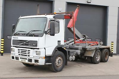 1999 Volvo FM7 290 6x4 Hook Loader Day Cab, Double Drive