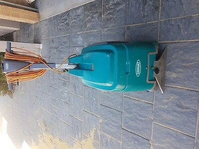 Tennant's E5 Deep Cleaning Carpet cleaning Machine