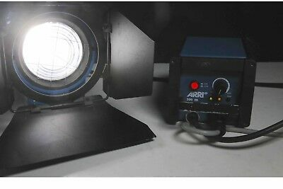 ARRI Compact 200 HMI Fresnel with 200W Electronic Ballast, Head Cable, Doors