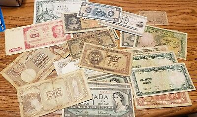 22 Foreign Banknotes Currency Lot, CIRCULATED