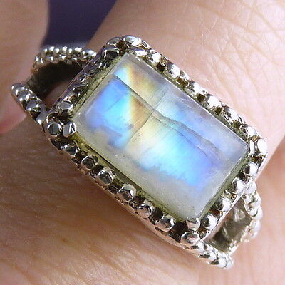 Contemporary SILVERSARI Ring Size US 8 (Q) Solid 925 Sterling Silver MOONSTONE