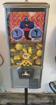 """Northwestern 25"""" - 2"""" Capsules Vending Machine - 75 Cent Mech W/stand and Toys"""