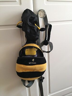 Bee backpacks for your little one - with harness