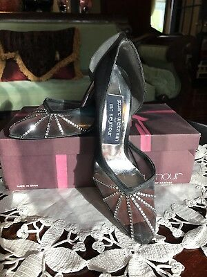 fdd5d3780f49 Vtg Stuart Weitzman for Mr Seymour Black Satin Rhinestone Pumps Heels Size 6