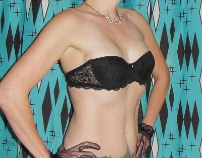 Vintage Black Lace Strapless Bra 34 A pin up clothing girl 1950's retro lace