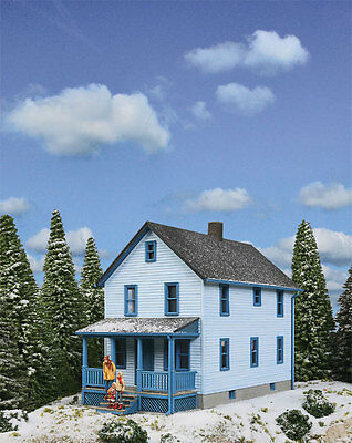 Walthers Cornerstone Two Storey Frame House Kit 933-3786 HO Scale (suit OO also)