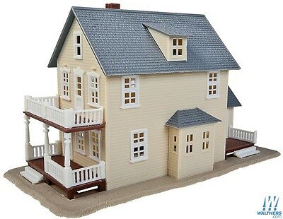 Walthers Trainline Two Storey House 931-901 HO Scale (suit OO also)