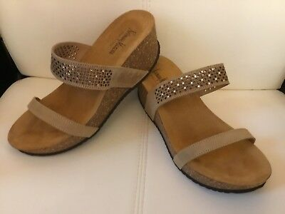 a56aa83dd8a NEIMAN MARCUS WOMENS sandals wedges size 8.5 wide -  39.99