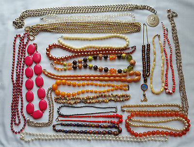 LOT OF VINTAGE & MODERN COSTUME JEWELLERY 23 x NECKLACES
