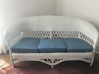 vintage white wicker furniture
