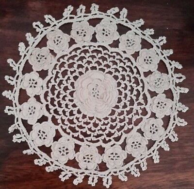 VINTAGE TATTED CROCHET LACE DOILY layered flowers chain mesh GORGEOUS!