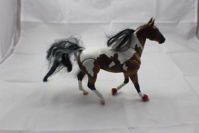 """Breyer Horse Reeves push down on tail moves head 6"""" x 8"""""""