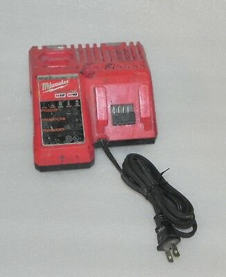 Milwaukee 48-59-1812 Battery Charger * FREE SHIPPING *