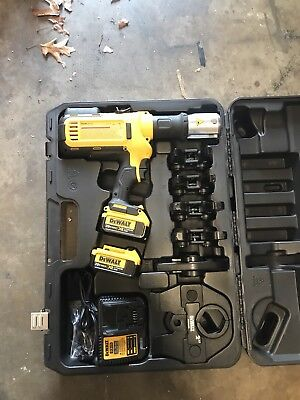 New DEWALT 20 VOLT 20v Cordless Pipe Press Tool with Crimping Heads DCE200