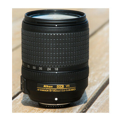 Nikon Nikkor AF-S DX 18-140mm f/3.5-5.6G ED VR Stock in EU Mejor