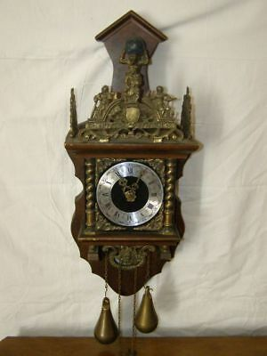 Ancient wall clock Nu Elck Syn Sin, swing mechanism