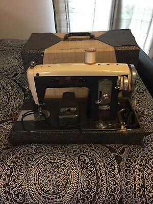 Vintage WIZARD Western Auto Sewing Machine Art Deco Japan Decorate Tested!!