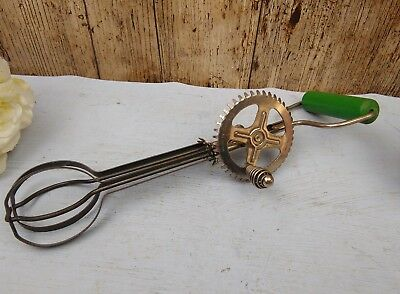 Vintage 40s 50s Skyline Hand Whisk Green Wooden Handle Classic Kitchen Tools