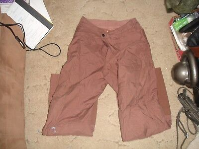 patagonia light brown women's snow pants size 8 in great condition.