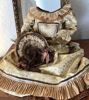 Silk Dress And Straw Hat For Antique Bisque Doll. Robe Ancienne.