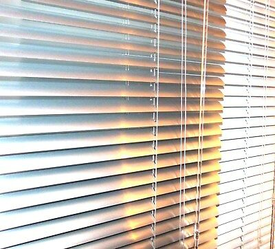 ALUMINIUM VENETIAN BLIND - METAL- SILVER / WHITE (Many Sizes)