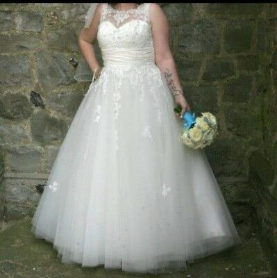wedding dress size 14 used