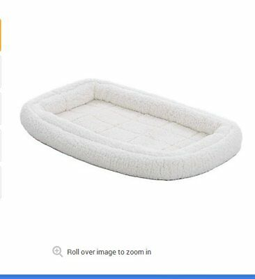 Fleece Pet Bed - White (Quiet Time)_