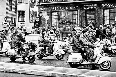 """MODS & ROCKERS SCOOTER CLUB HASTINGS 1960s ??? LARGE 9"""" x 6"""" PRINT 70036"""