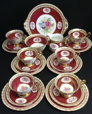 Shelley Red Floral and Gilt 21 Piece Tea Set, Pattern No. 13556/41