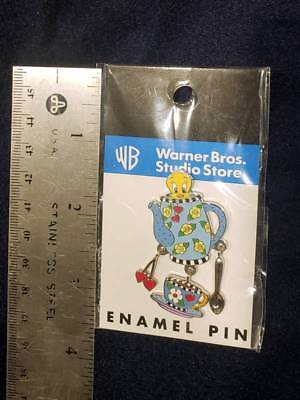 NEW SEALED Looney Tunes Warner Brothers Tweety Bird Enamel Pin Teacup Teapot Pin