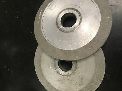 Reducing flanges for scotch brite deburring wheels