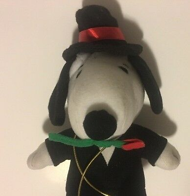Russell Stover Candies Stuffed Animal Snoopy In Tux W/ Rose Used